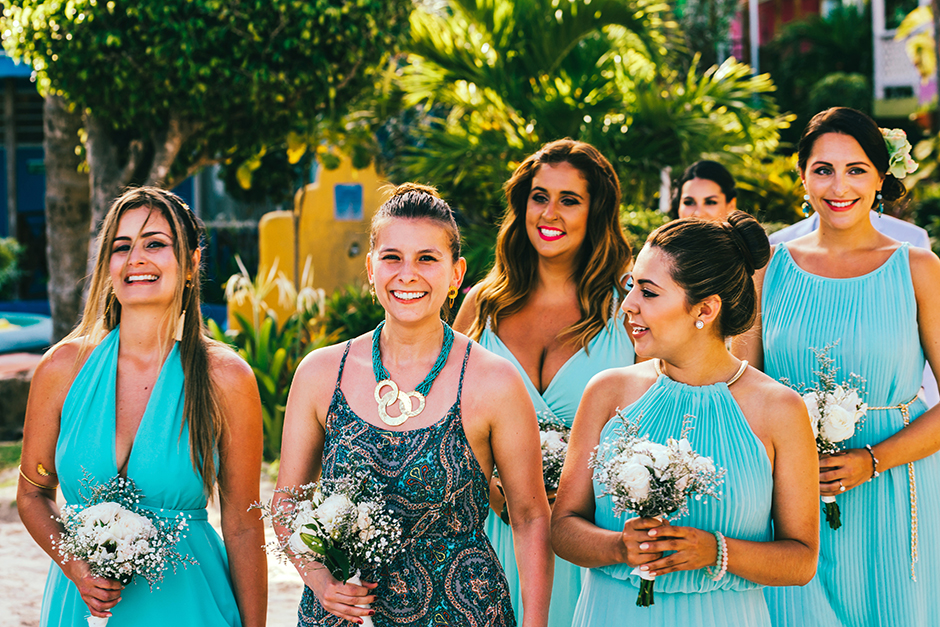 bridemaids-san-andres-colombia-beach-wedding