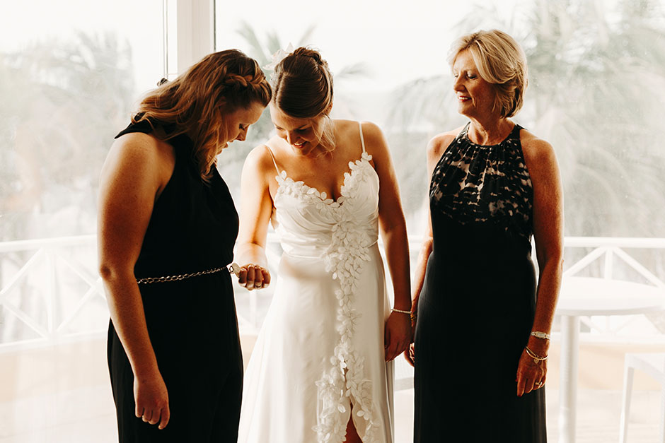 Bride and her mother and her sister gettingready